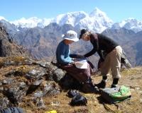 Approaching the Panch Pokhari Pass